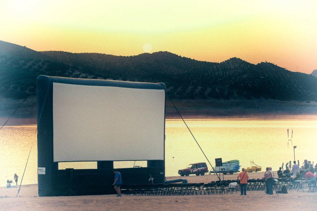 cine lago iznájar