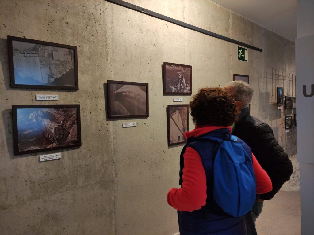 exposición fotográfica en el centro de interpretación iznajar